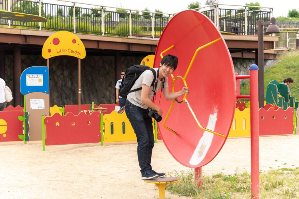 伊丹市にある伊丹スカイパークの翼の丘の遊具広場6
